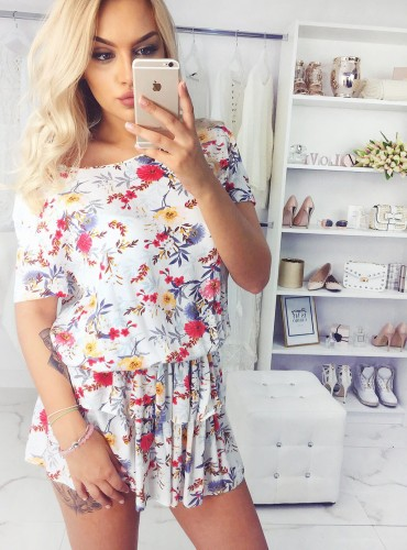Sukienka FIONA - biała w niebiesko czerwone kwiatki